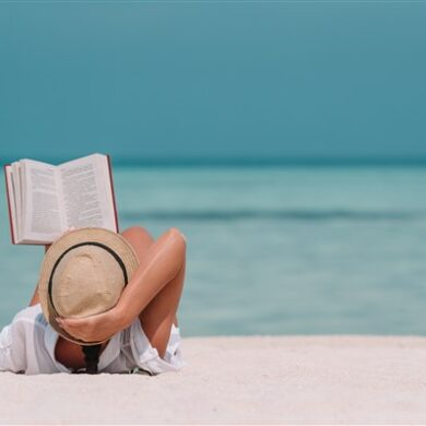 The 10 Best Beach Reads to Add to Your Vacation Reading List