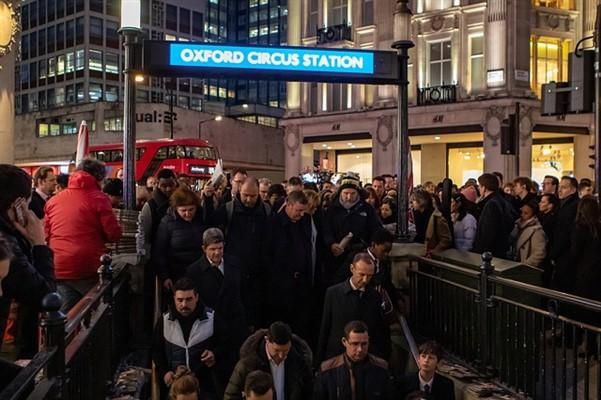 Oxford Circus Street tube